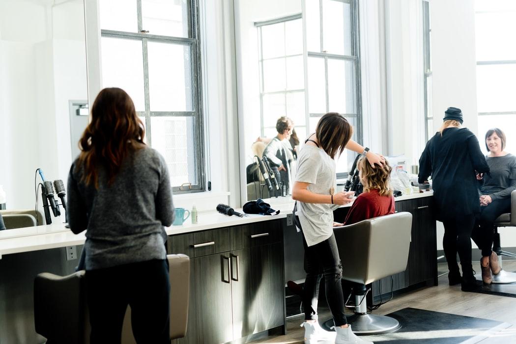 Salon fryzjerski – ceny i usługi