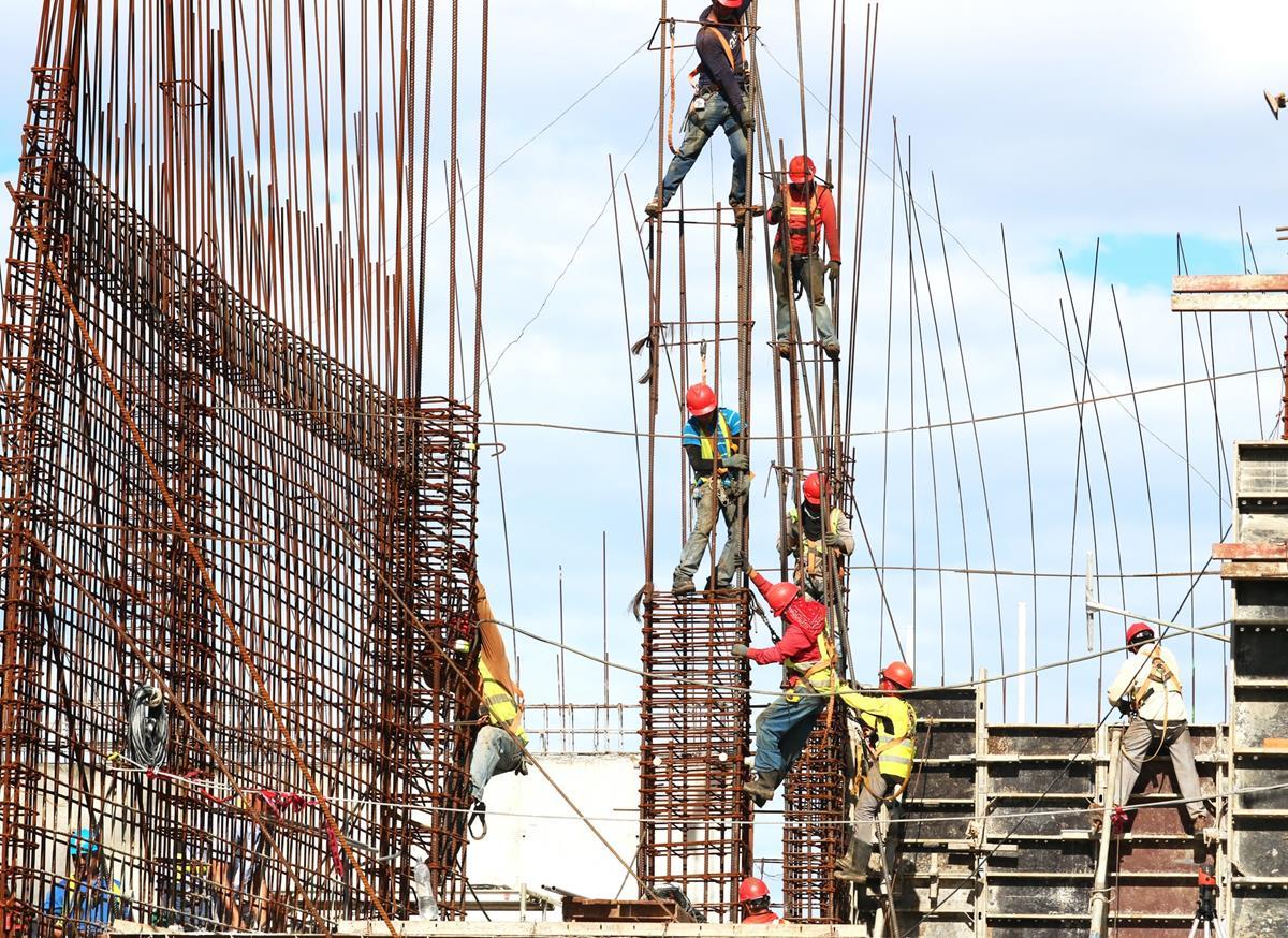 Jakie zabezpieczenia stosuje się na placu budowy?