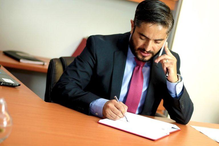 Adwokat może nam przedstawić rozwiązania kwestii prawnych